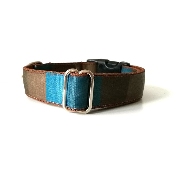 Brownblue dog collar