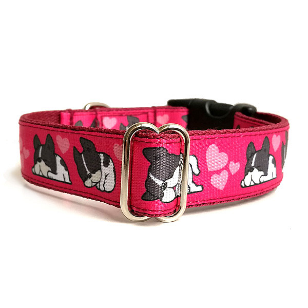 Sleepy pink dog collar