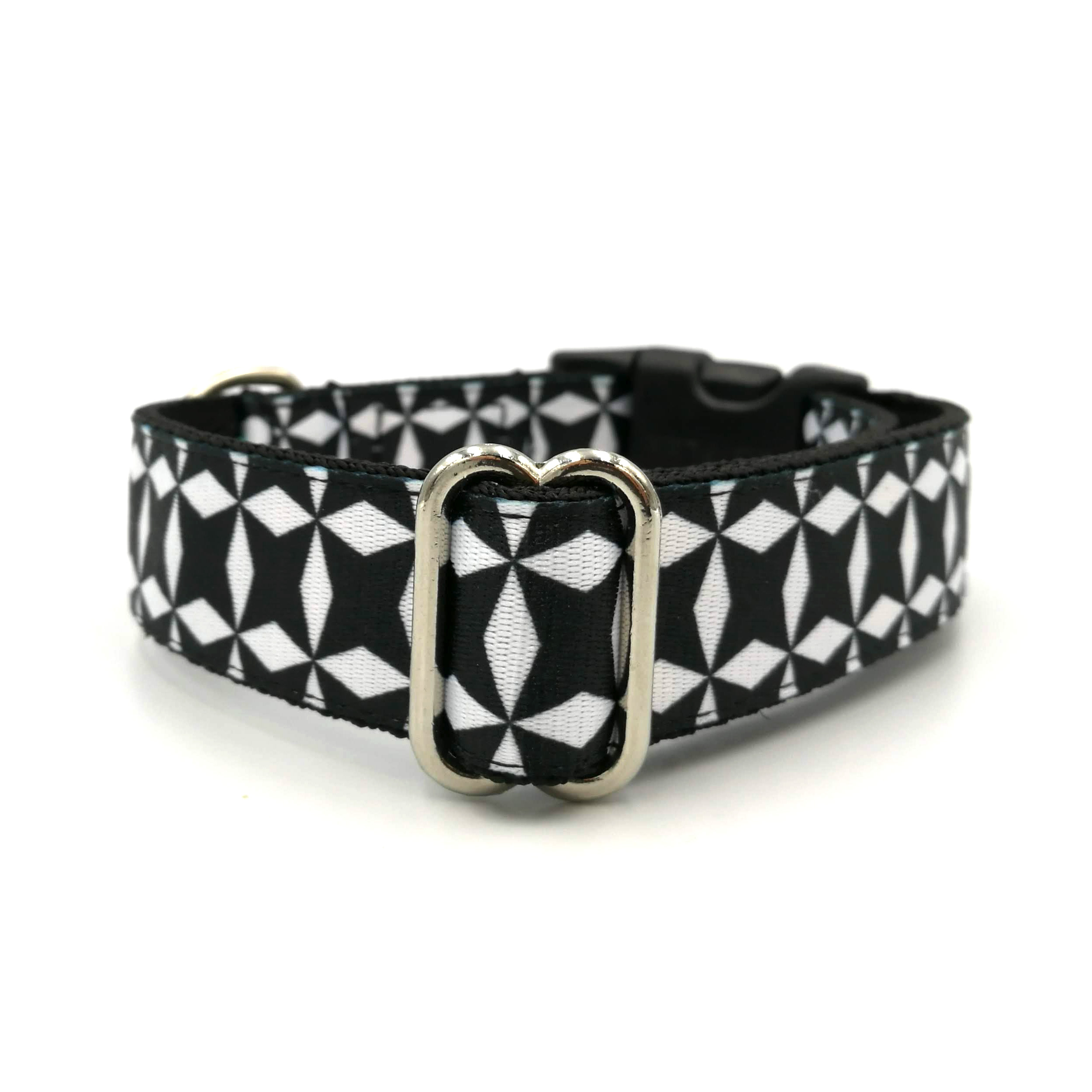 black and white patterned dog leash