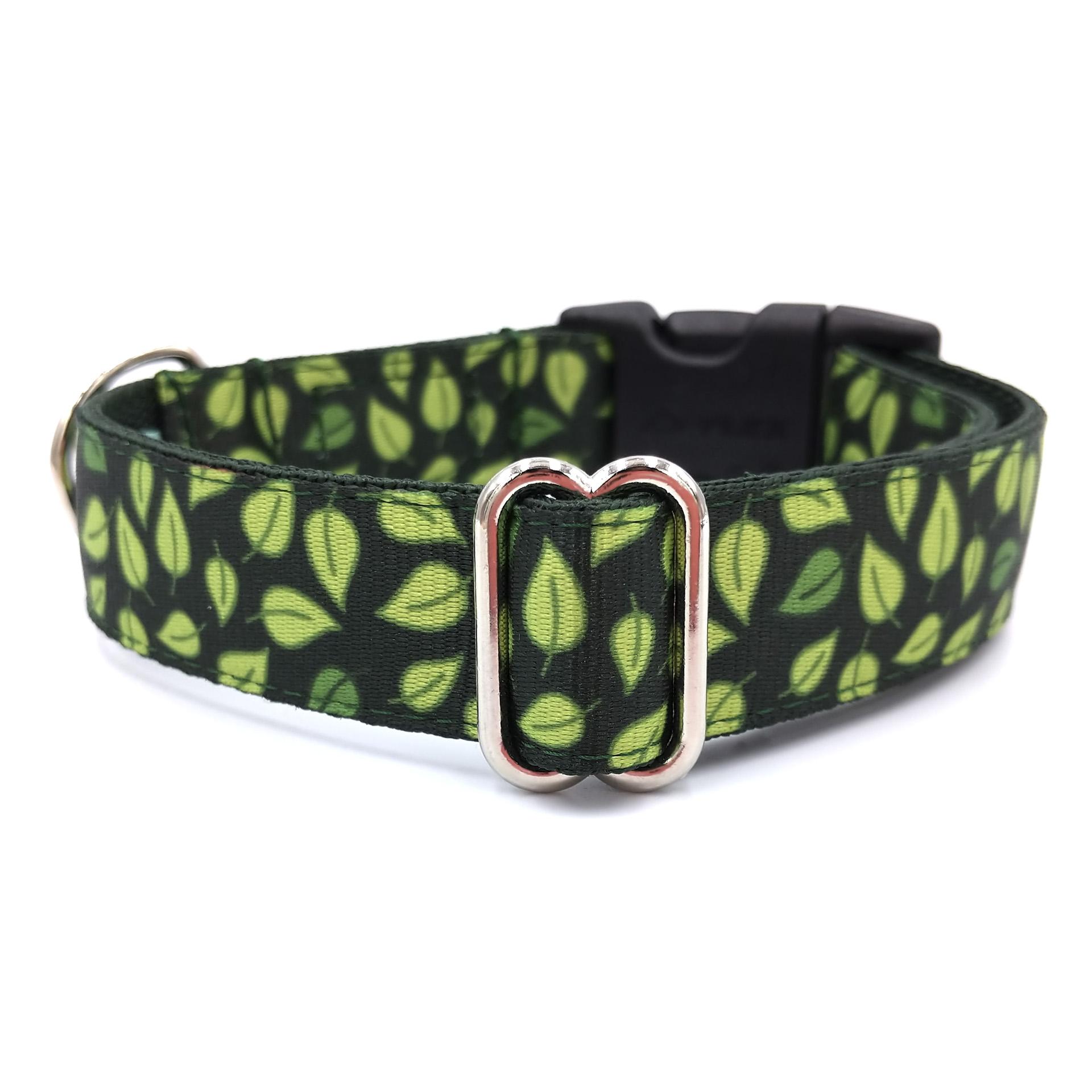 Jungle dog collar